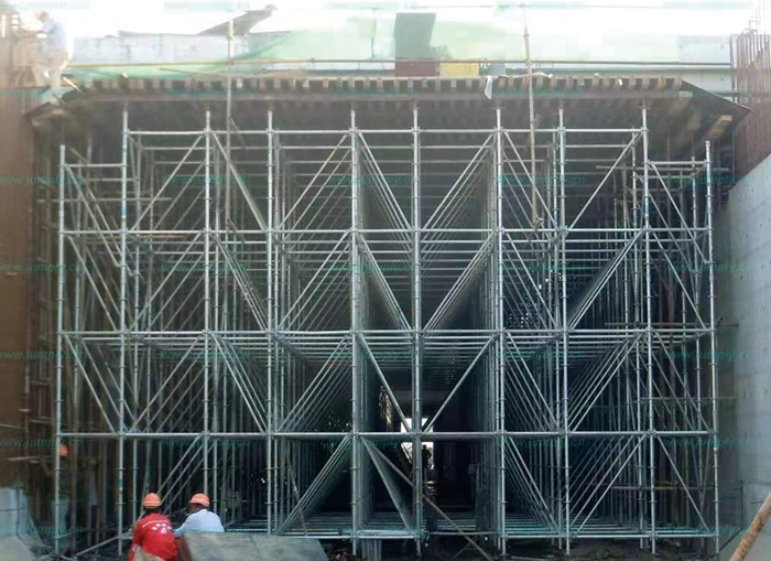 Disc-type scaffolding construction